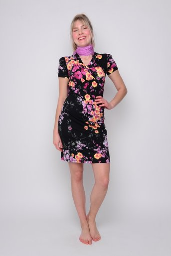 Katinka cottage flower black